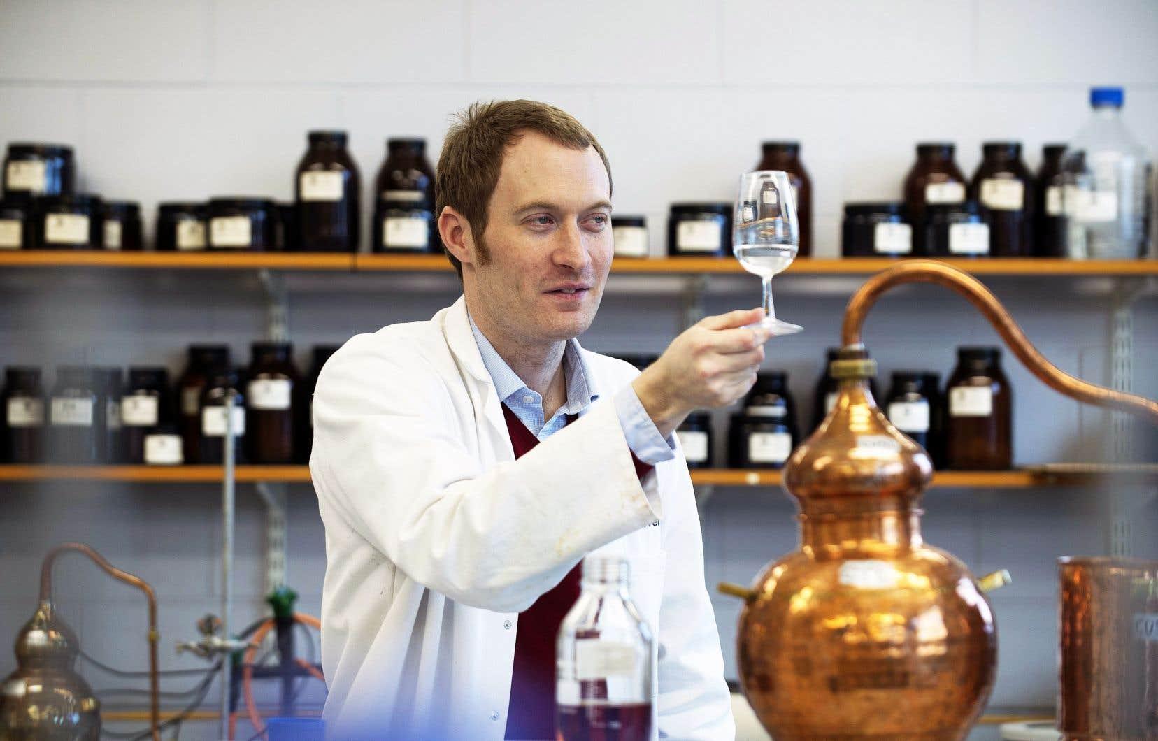 «Johnny Walker ne peut soudainement faire du whisky à la fraise [...]», explique Matthew Pauley, professeur assistant au Centre international du brassage et de la distillation (ICBD) à l'Université Heriot-Watt à Édimbourg.