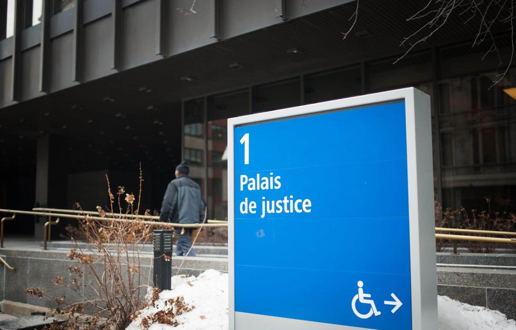 Certaines contraintes conduisent au non-respect à répétition des conditions de remise en liberté, ce qui ne fait qu'engorger davantage les tribunaux, ont constaté les auteurs de l'étude.