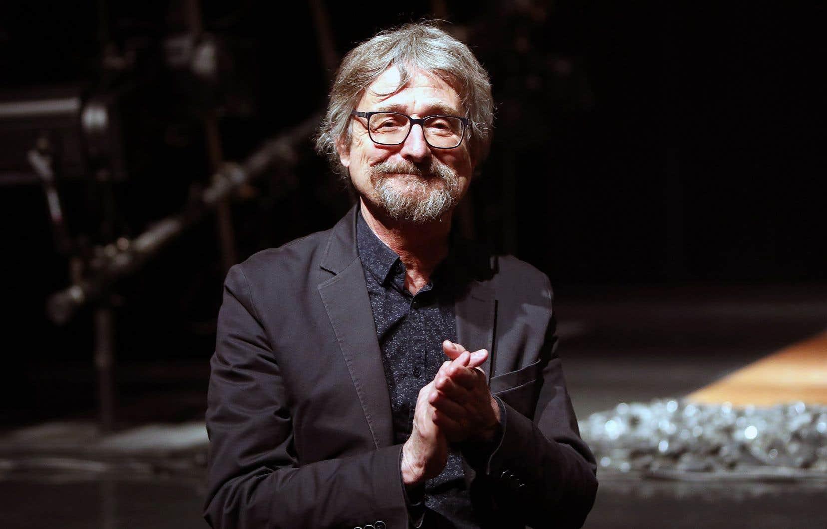 Selon le directeur de la Maison Théâtre, Alain Grégoire, la pièce réunit tout le pouvoir qu'a le théâtre de nous emporter, de nous faire réfléchir, de permettre d'avoir un recul sur ce qui se passe dans la vie.