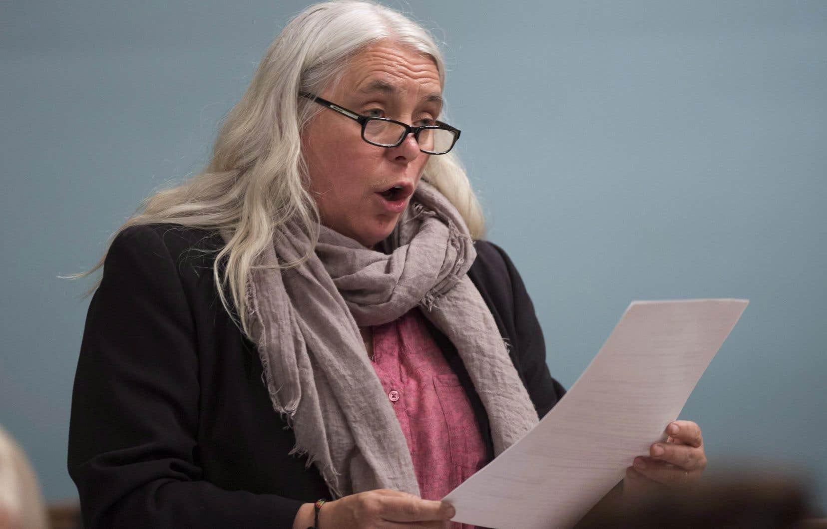 La porte-parole solidaire Manon Massé défend le droit à la dissidence des membres de son parti.