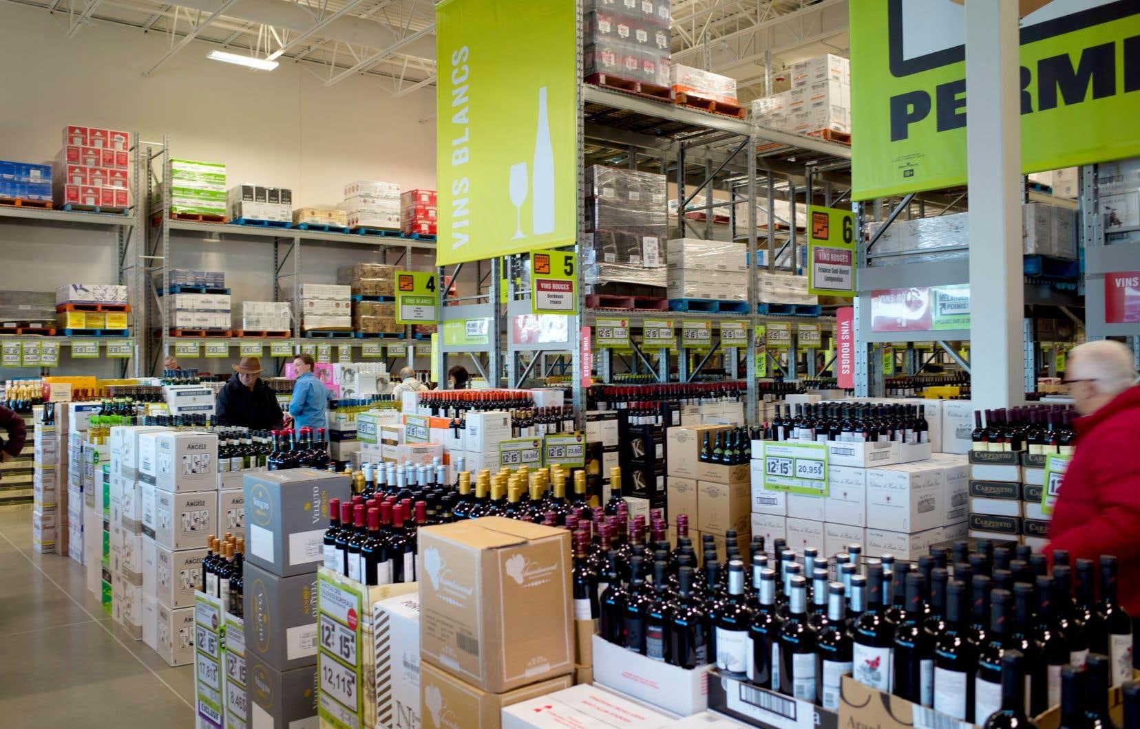 «Le prisme de la santé semble complètement occulté de l'approche gouvernementale en matière d'alcool: on l'aborde principalement sous l'angle de la rentabilité», écrit sans un mémoire l'Association pour la santé publique.