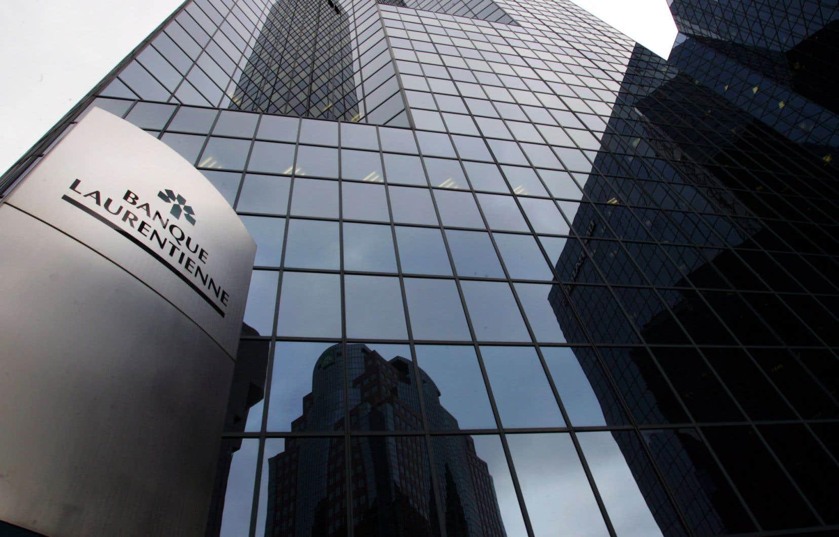 L'institution financière s'attend à devoir racheter jusqu'à 392 millions de prêts jugés problématiques d'ici la fin du deuxième trimestre, au terme de l'examen approfondi pour des prêts hypothécaires.