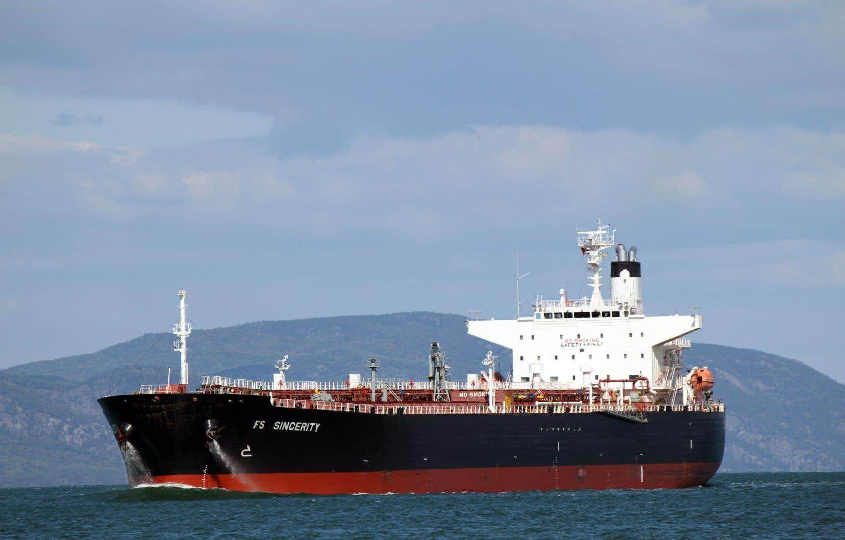Le Québec continue aussi d'importer du pétrole par bateau en provenance de l'Algérie, du Kazakhstan, du Royaume-Uni et du Nigeria.