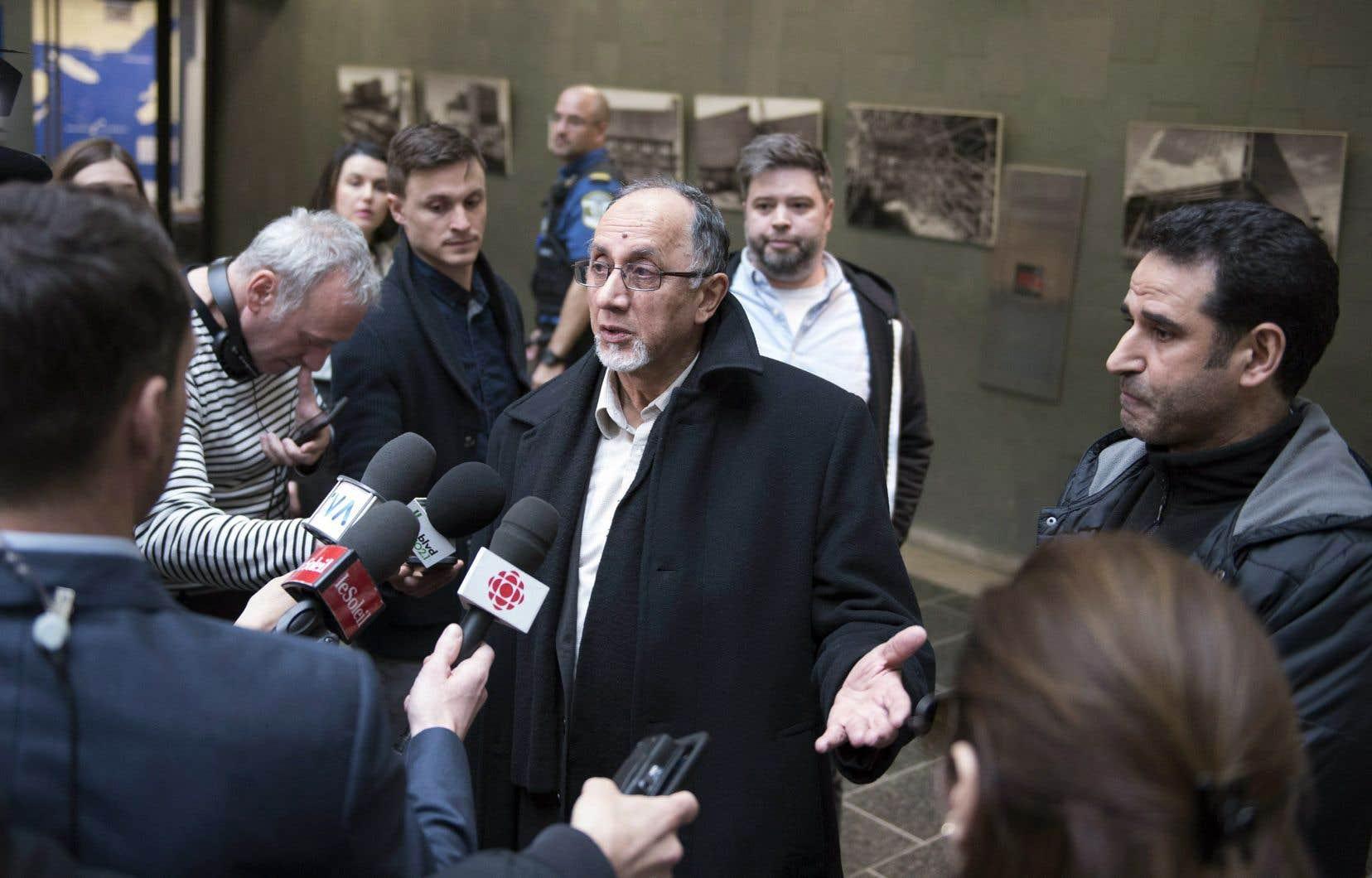 Le président du Centre culturel islamique de Québec, Boufeldja Benabdallah, a réagi positivement à la décision du juge François Huot d'empêcher la diffusion par les médias des images captées par les caméras de la mosquée où Alexandre Bissonnette a commis son crime.