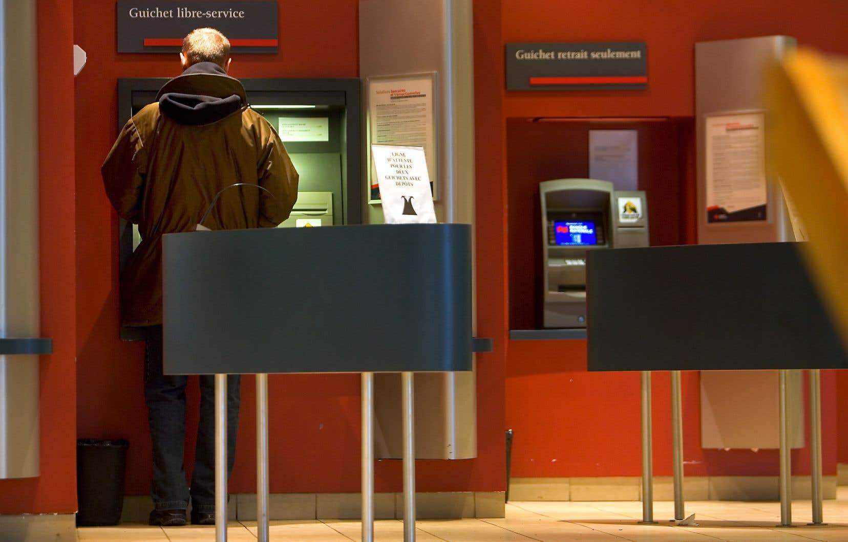 Environ 70% des personnes interviewées se sont dites peu ou très peu informées à propos des forfaits bancaires.