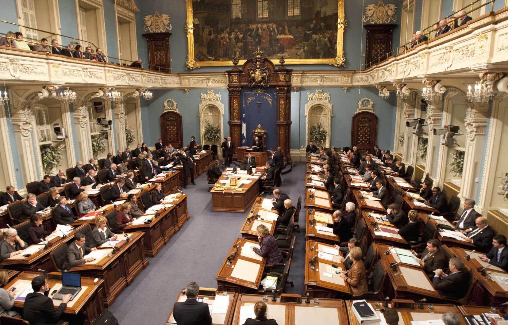 Les chefs des partis politiques ont pris acte du déficit de représentation des femmes à l'Assemblée nationale et ont lancé de réels efforts afin de hausser le nombre de candidatures féminines qu'ils présenteront aux prochaines élections, selon les auteurs.