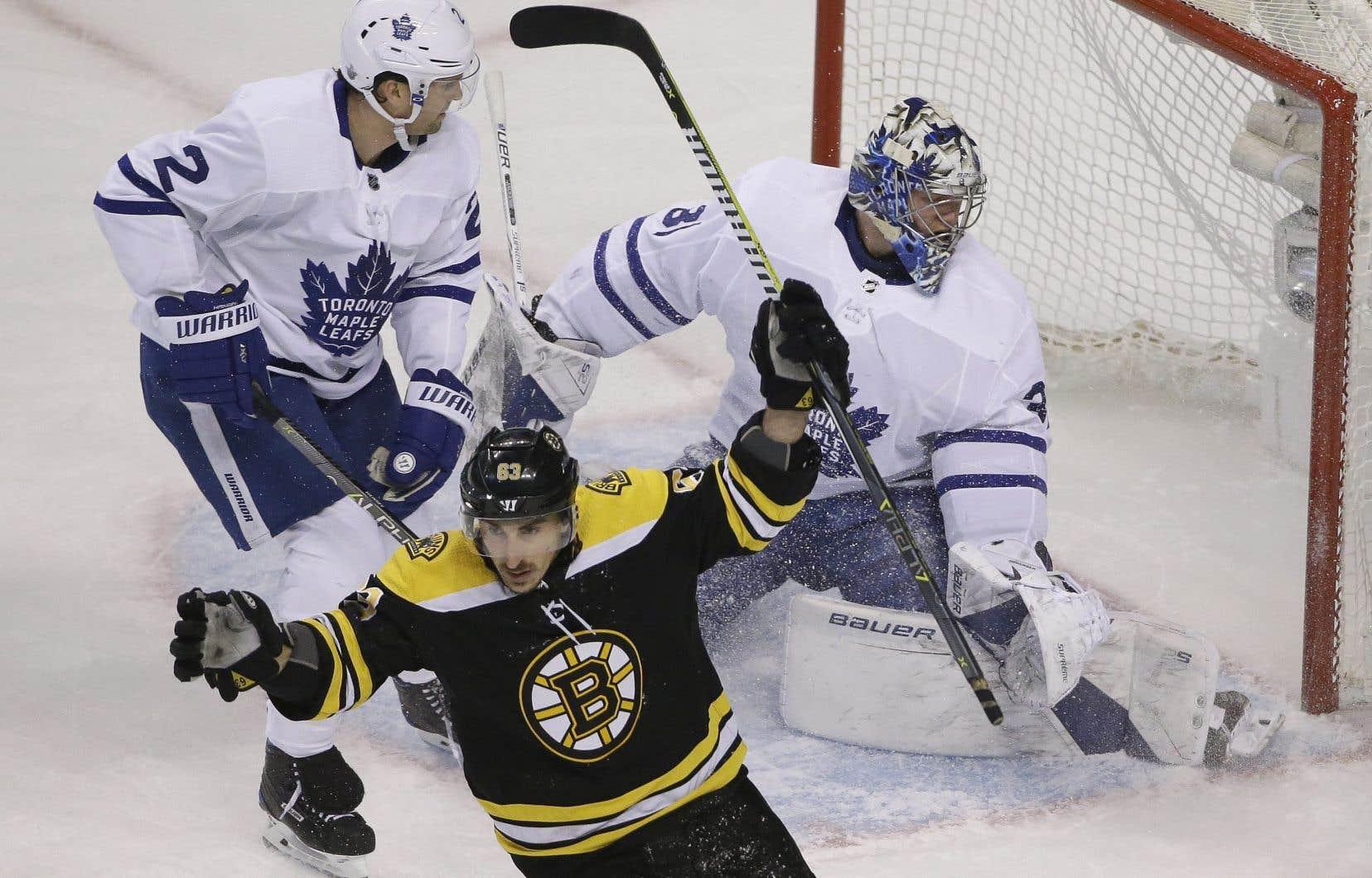 Les Maple Leafs ont été surclassés par les Bruins jeudi soir à Boston dans un revers de 5-1.