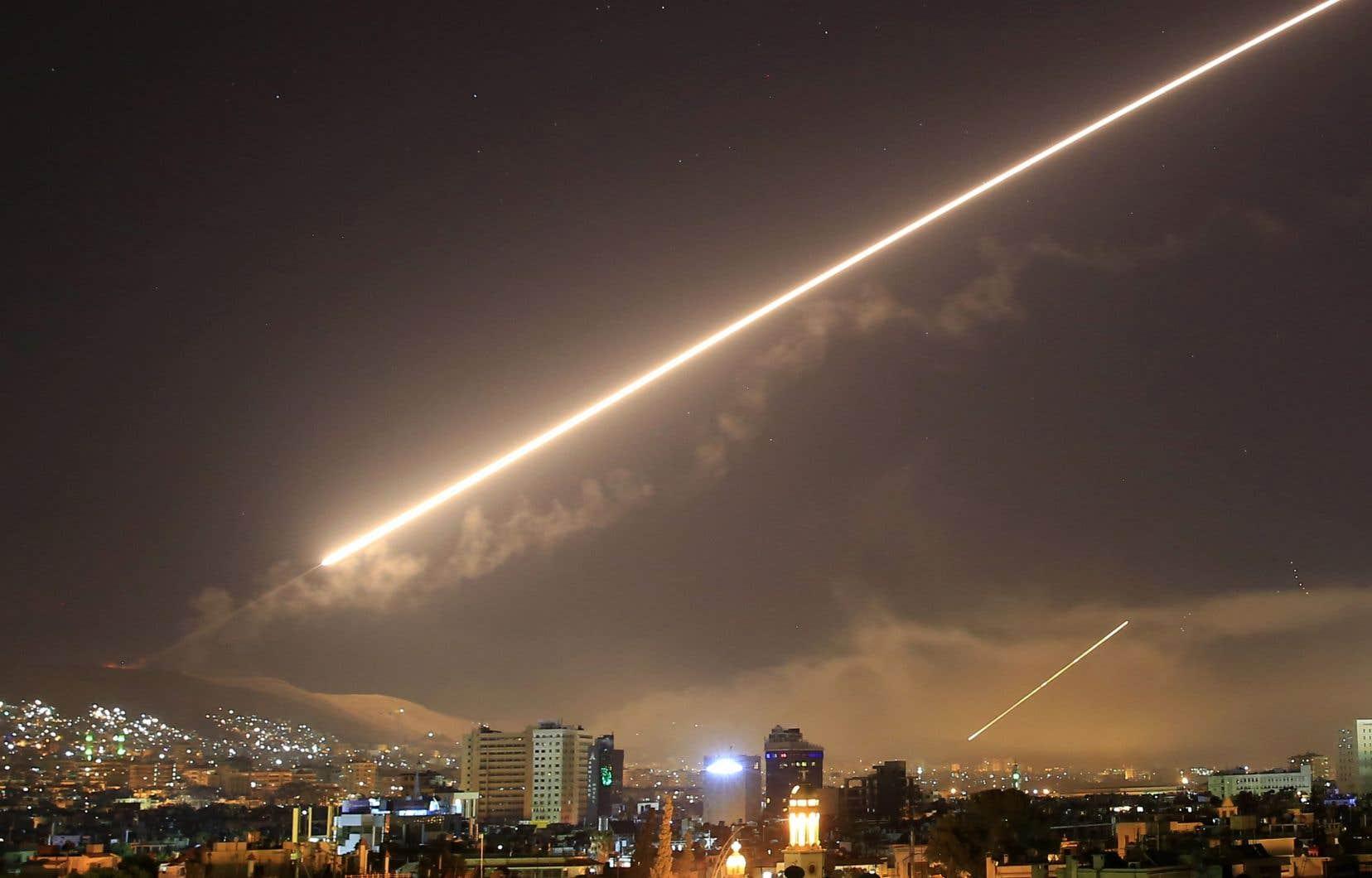 Des missiles américains atteignent Damas, la capitale syrienne, samedi.
