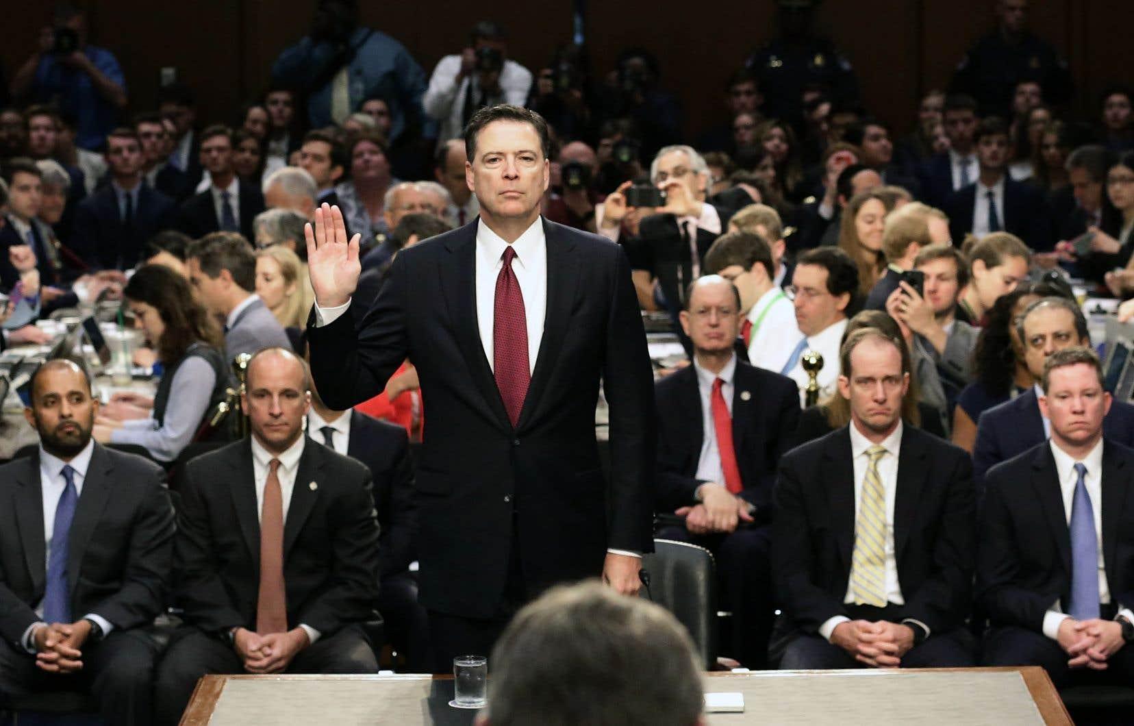 L'ex-patron du FBI James Comey dresse le portrait d'un président à l'attitude mafieuse.