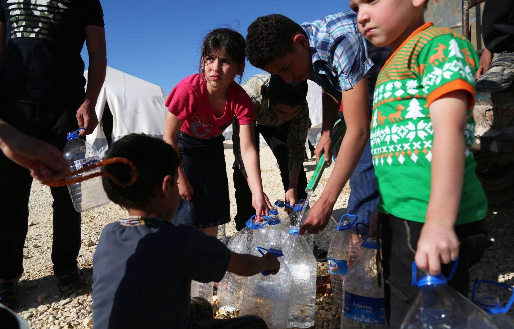 """«La poursuite de la guerre sur une base quotidienne crée parfois chez l'enfant """"un stress toxique""""», selon la directrice de Save the Children Canada, Rachel Logel-Carmichael."""