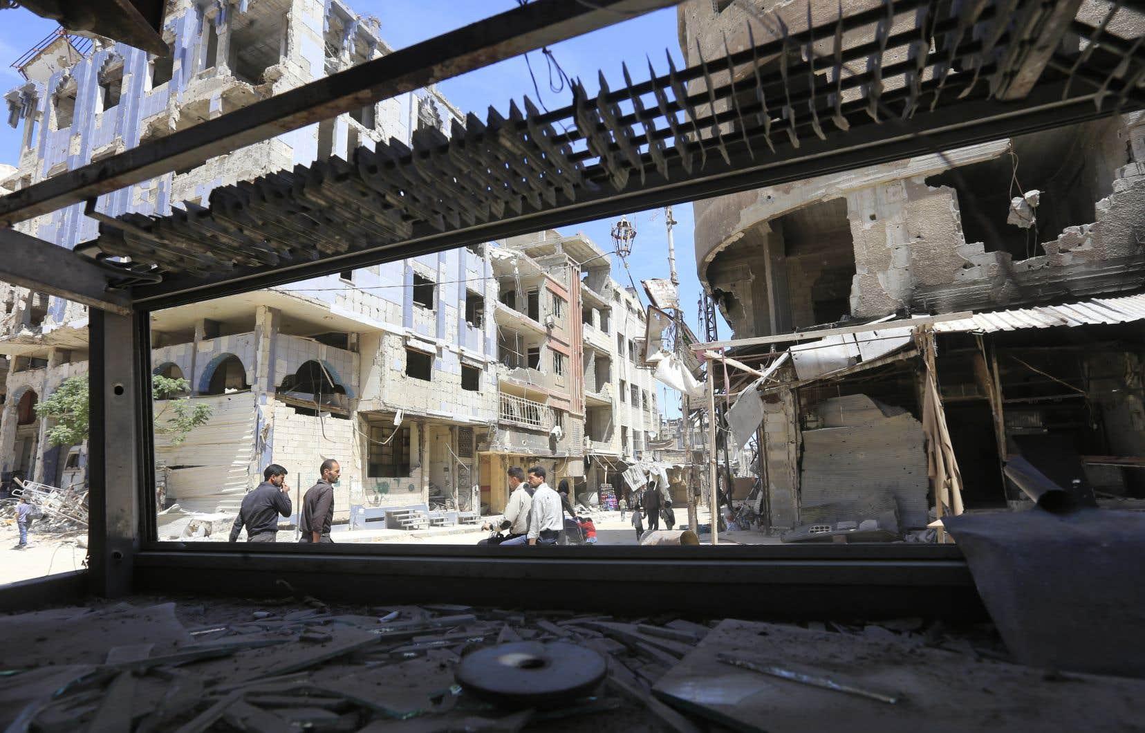 La ville de Douma, ex-fief rebelle dans la Ghouta orientale, aux portes de Damas, est depuis samedi sous contrôle total du régime syrien et de la police militaire russe.