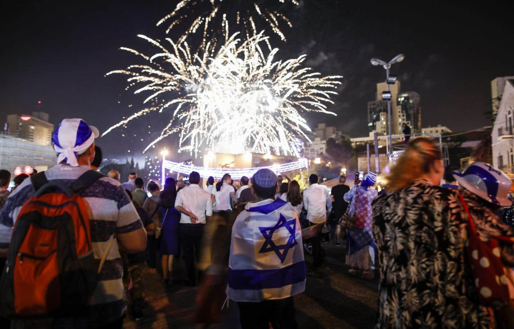 Les Israéliens ont entamé mercredi soir les célébrations marquant la création de leur État proclamé le 14mai 1948.
