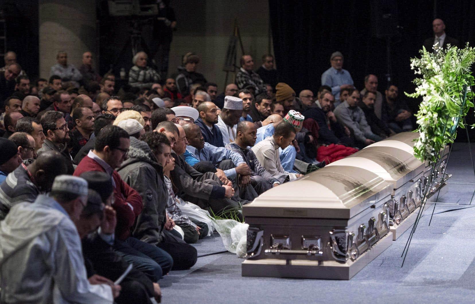Quelques jours après la tuerie, deux grandes cérémonies en l'honneur des six victimes ont eu lieu au Palais des congrès de Montréal, puis au Centre des congrès de Québec.