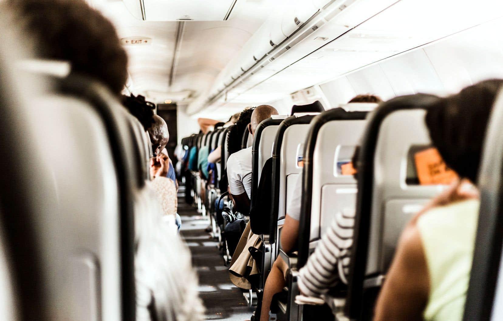 Les transporteurs aériens sont souvent les premiers à être montrés du doigt lorsqu'il est question l'empreinte écologique dans l'industrie touristique, mais ils tentent de réduire l'impact de leurs émissions de GES.