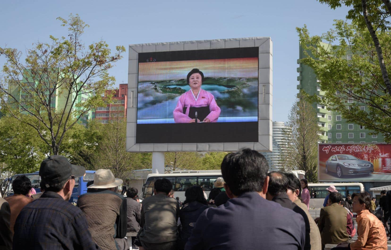 La présentatrice Ri Chun-hee annonce la fin des essais nucléaires, samedi, à la télévision nationale nord-coréenne.