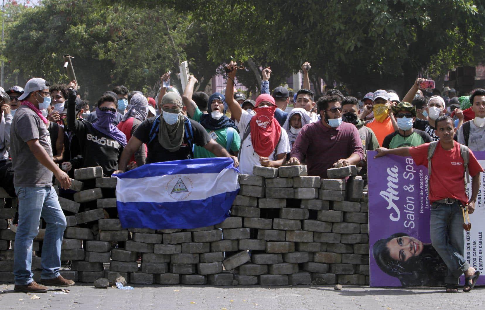 Manifestation du 21 avril dernier. La réforme des retraites est à l'origine d'un mouvement de colère qui a fait au moins 25 morts.
