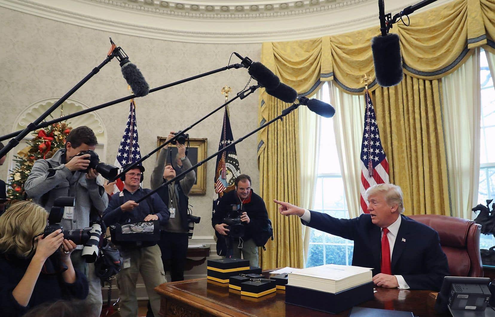 <p>Les États-Unis de Donald Trump, pays du 1er amendement qui sacralise la liberté d'expression, perdentdeux places au classement, et tombent au 45e rang.</p>