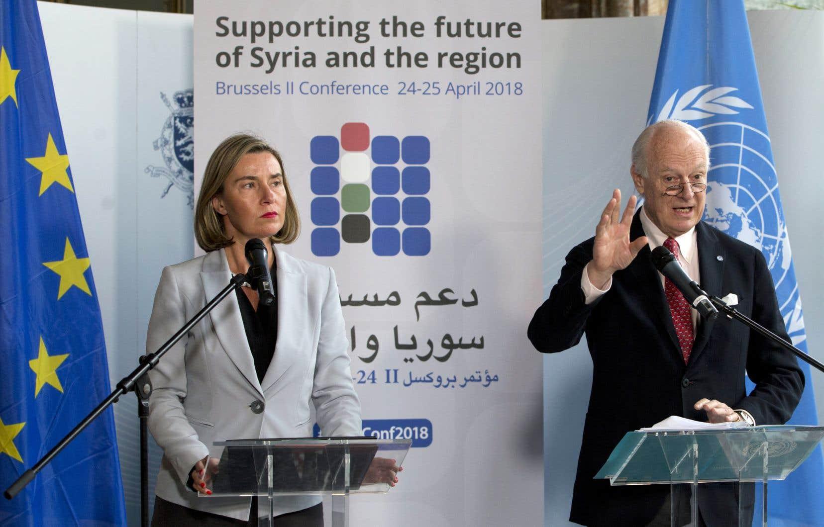 La représentante de la diplomatie de l'UE, Federica Mogherini, et l'envoyé spécial de l'ONU pour la Syrie, Staffan de Mistura