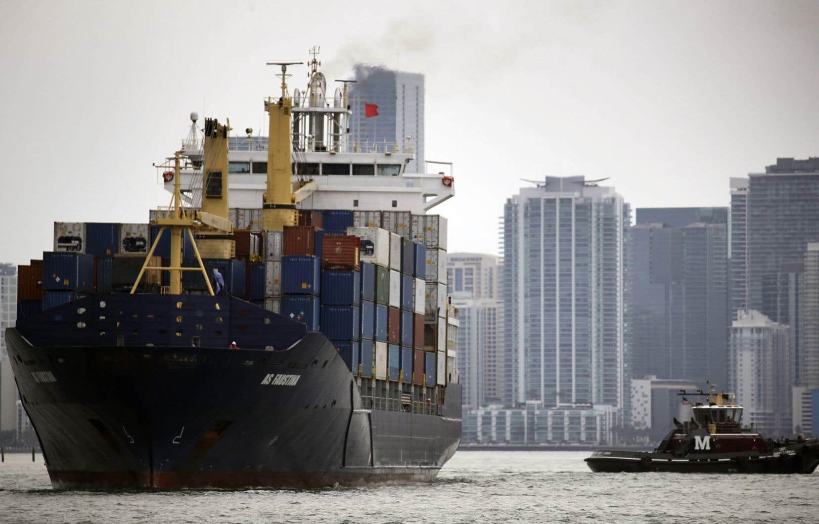 Selon la première estimation du département du Commerce vendredi, le PIB a progressé de 2,3% en rythme annuel de janvier à mars.