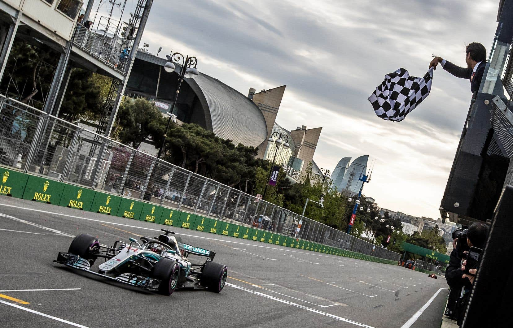Avec cette victoire, Hamilton ravit la tête du classement général, quatre points devant Vettel, quatrième.