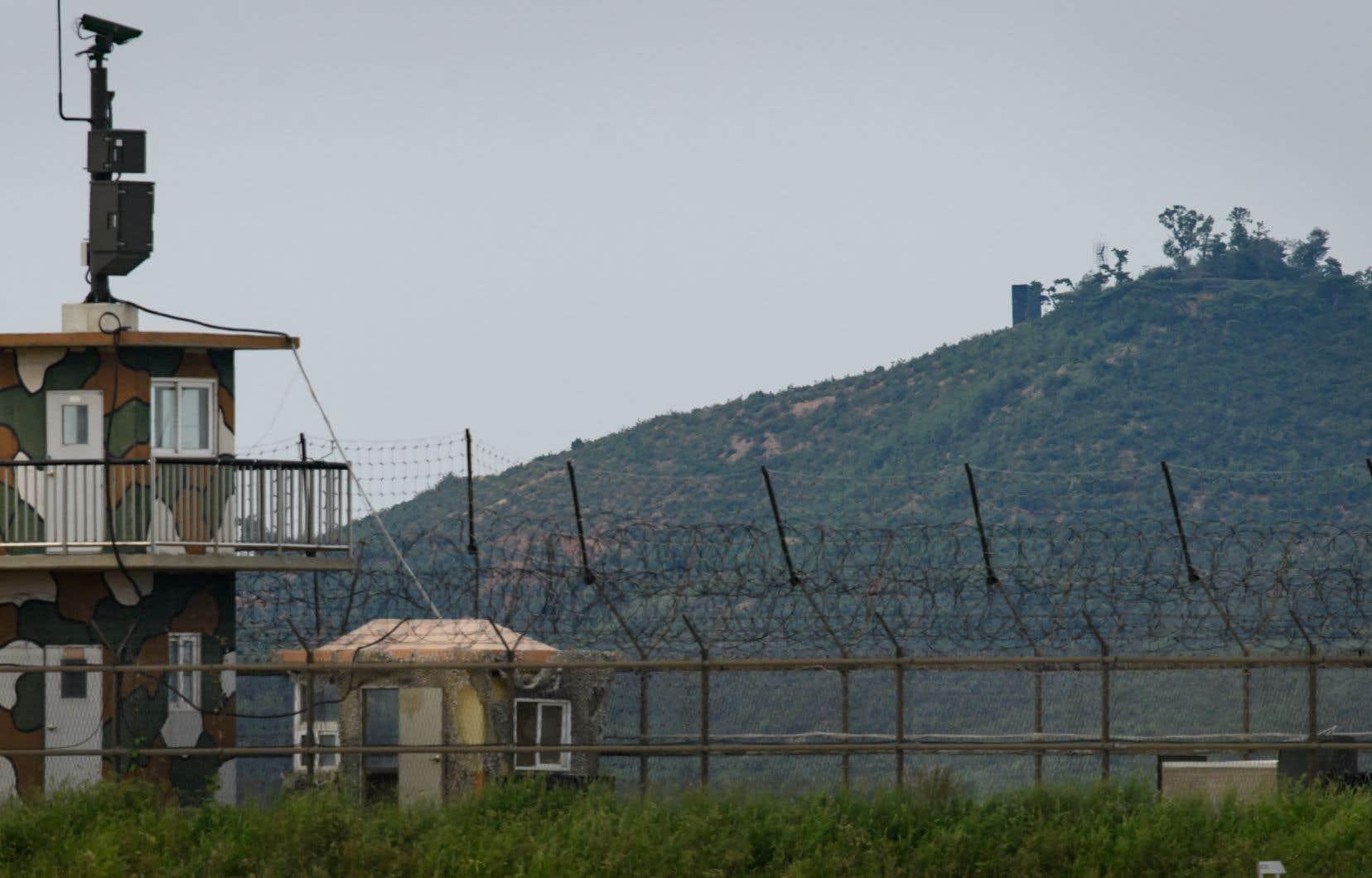 <p>Les deux pays avaient réduit les haut-parleurs au silence le long de leur frontière de 248 km avant le sommet de la semaine dernière.</p>