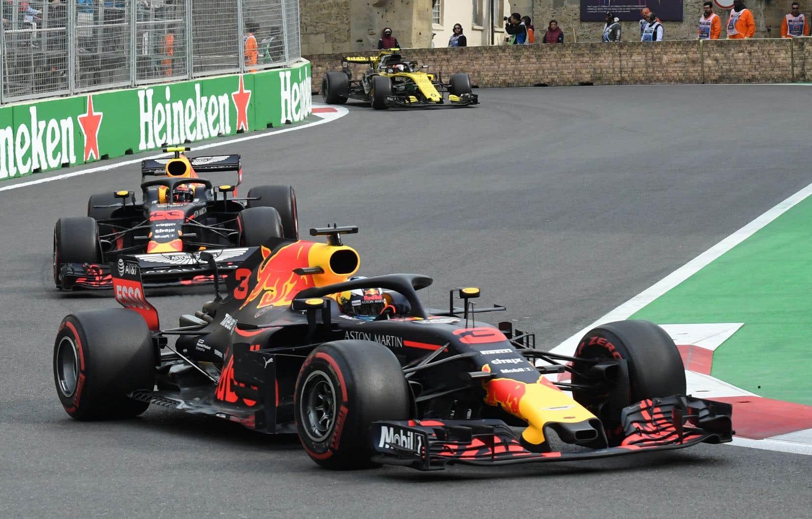 Red Bull a présentement un accord avec Renault et doit informer la FIA avant la mi-mai si elle a l'intention de passer au fabricant japonais.