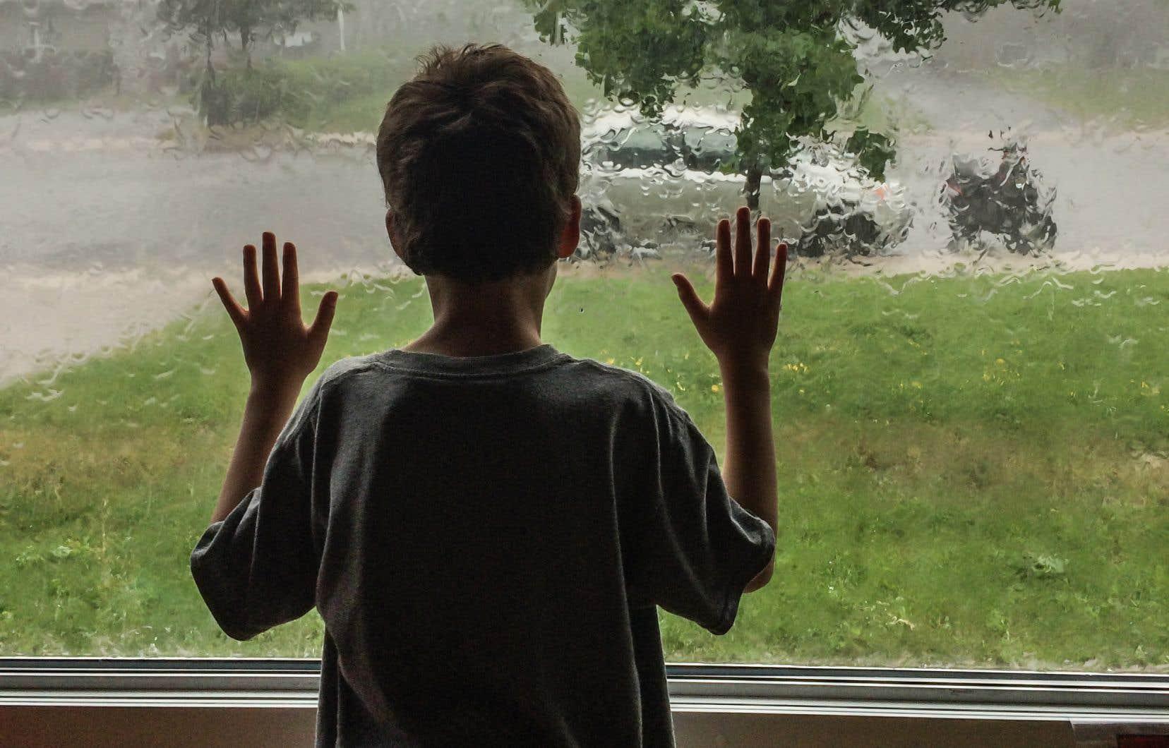 À Montréal, un enfant autiste doit attendre en moyenne 637 jours — plus d'un an et demi — pour obtenir des services de réadaptation.