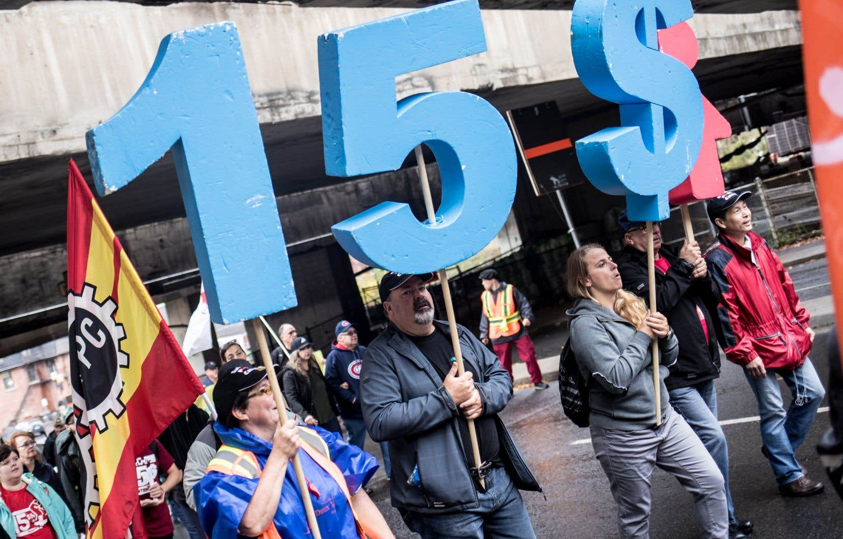 Manifestion pour la hausse du salaire minimum à 15$ l'heure le 15 octobre 2017 à Montréal