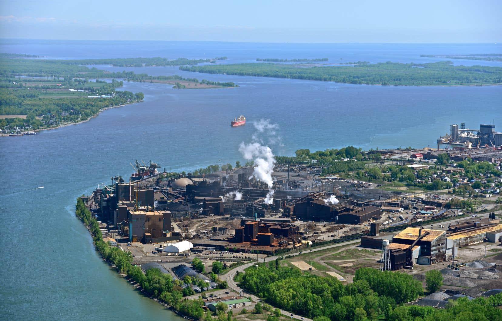 Selon les auteurs, une déclaration élevant le fleuve Saint-Laurent et ses affluents au statut de sujet de droit, ou de personne non humaine, renforcerait la préservation du grand réservoir hydrique qu'est ce grand fleuve.