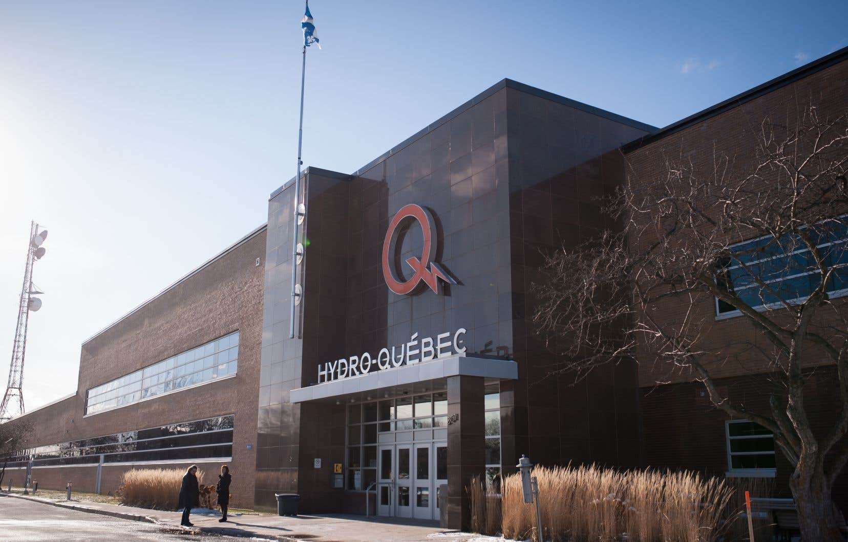 Hydro-Québec indique que le nombre important de clients affectés provoque des délais de rétablissement plus longs.