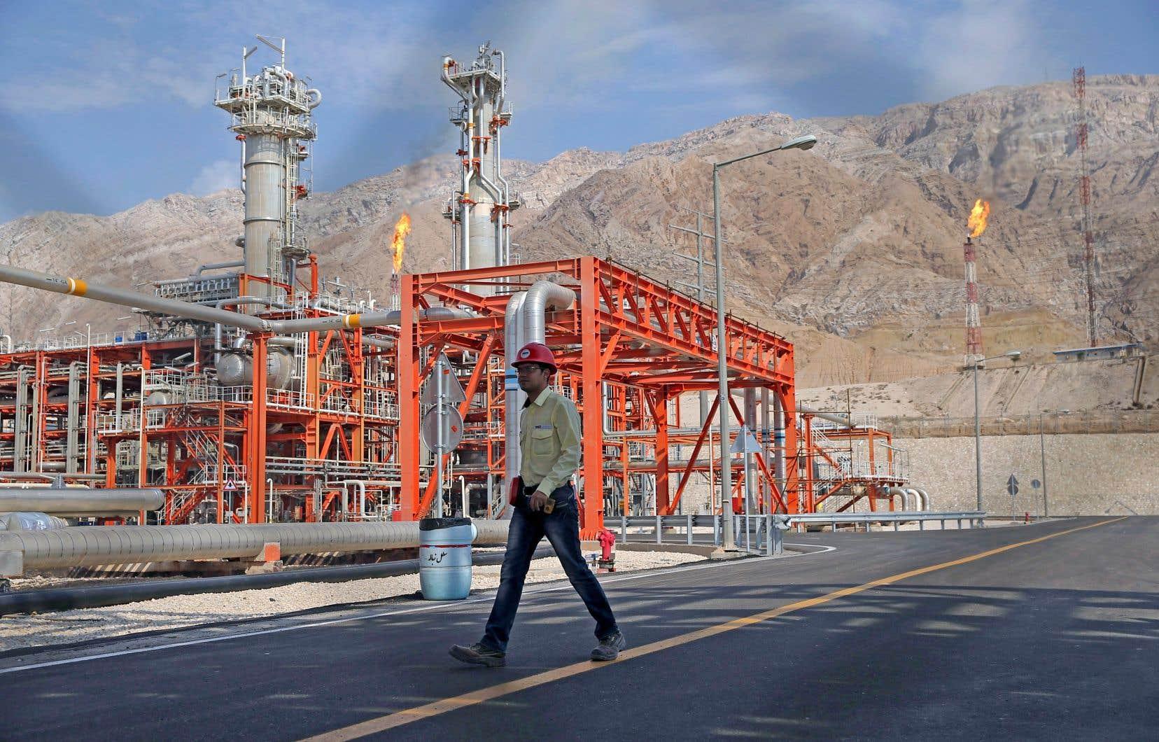 Uniquement pour l'Iran, qui exporte près de 2,1millions de barils de pétrole par jour, une forte réduction de ces exportations pourrait entraîner une hausse de 3 à 7$US du prix du baril.