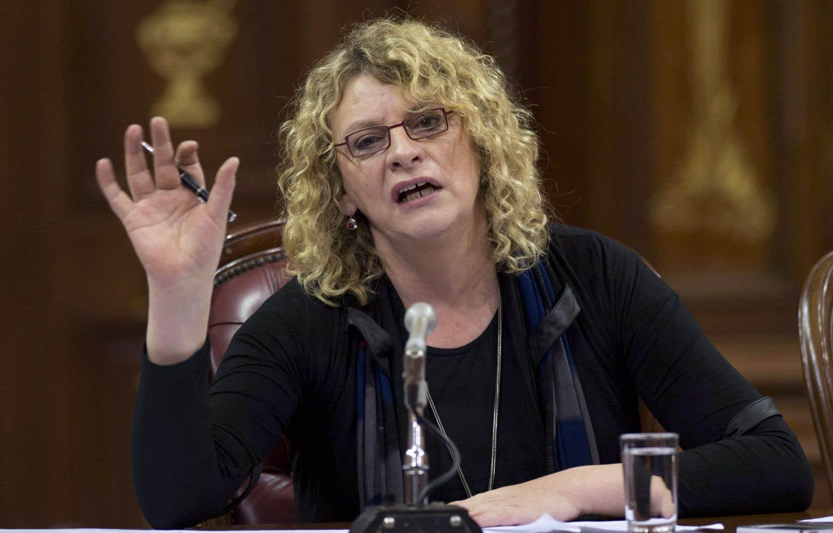 Michelle Blanc lors d'un témoignage à l'Assemblée nationale sur la charte de la laïcité, en janvier 2014
