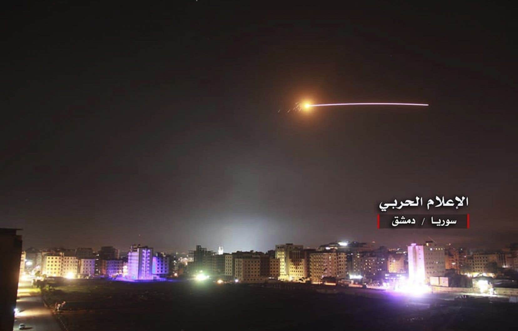 Les frappes israéliennes de la nuit ont tué au moins 23 combattants, dont 18 étrangers, selon l'OSDH.
