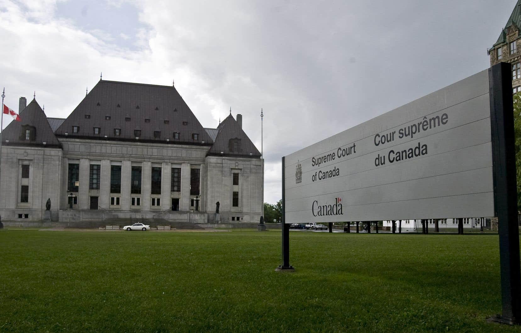 Les juges majoritaires ont conclu que la loi portait atteinte au droit à l'égalité garanti par l'article15 de la Charte canadienne des droits et libertés.