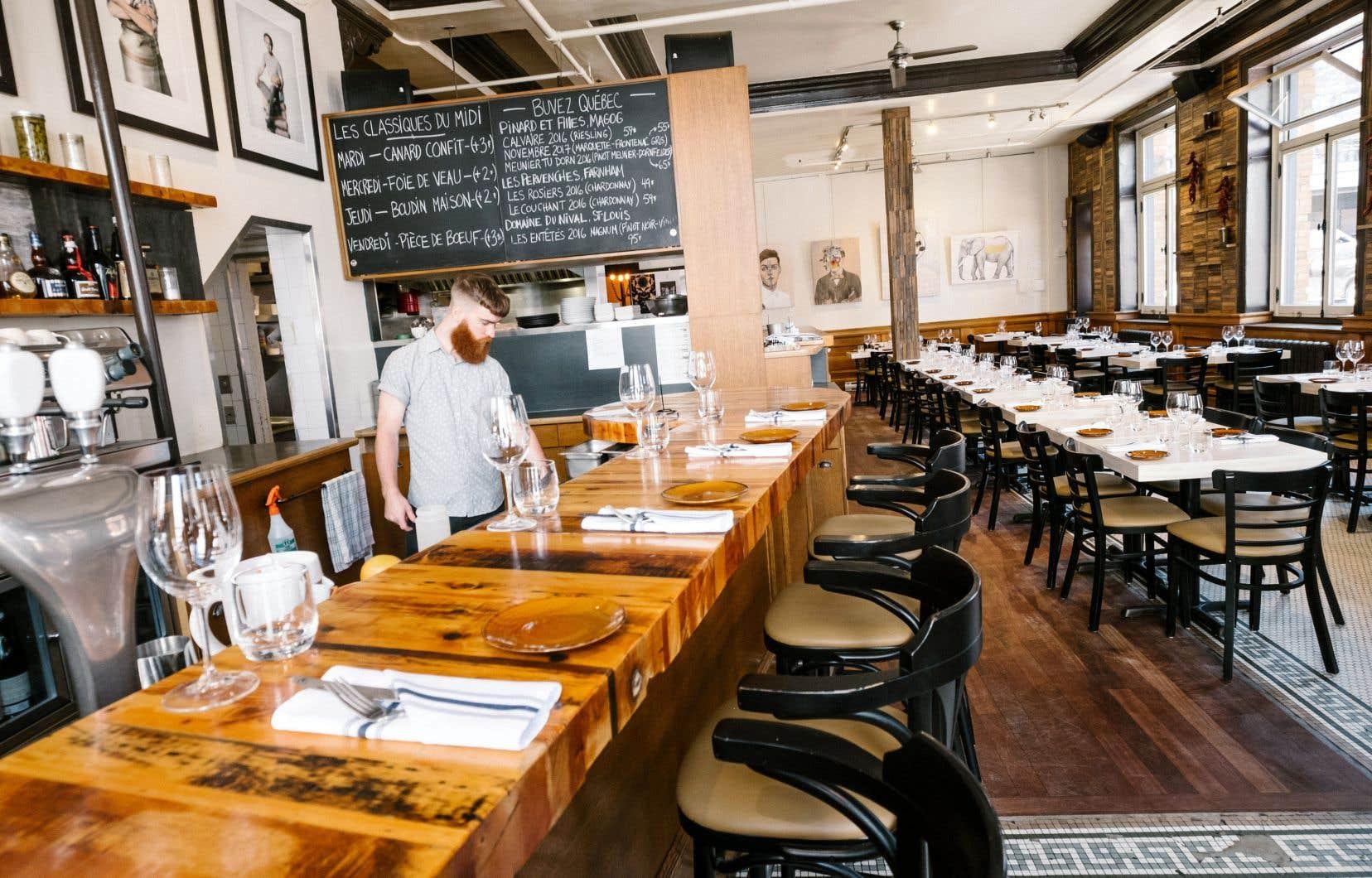 Ce qui était à l'origine un café est maintenant un restaurant qui a atteint sa pleine maturité. Certains éléments sont devenus des classiques.