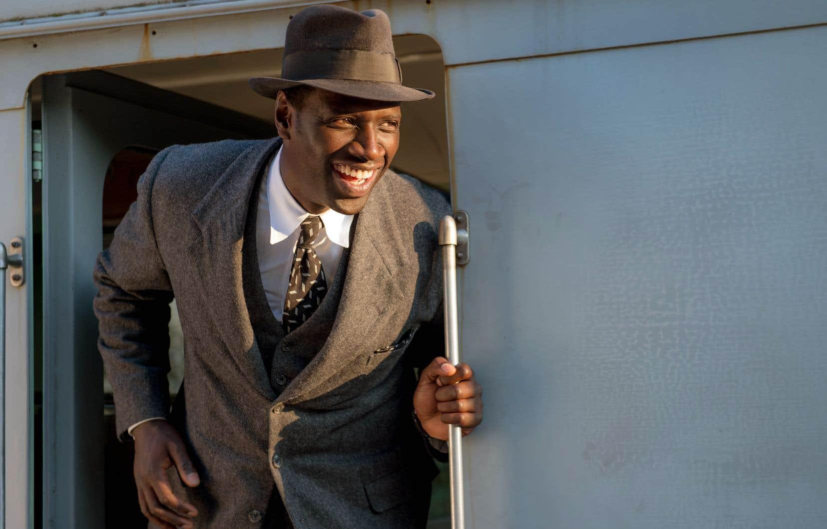 Knock (Omar Sy) opère une révolution médicale dans le village de Saint-Maurice.
