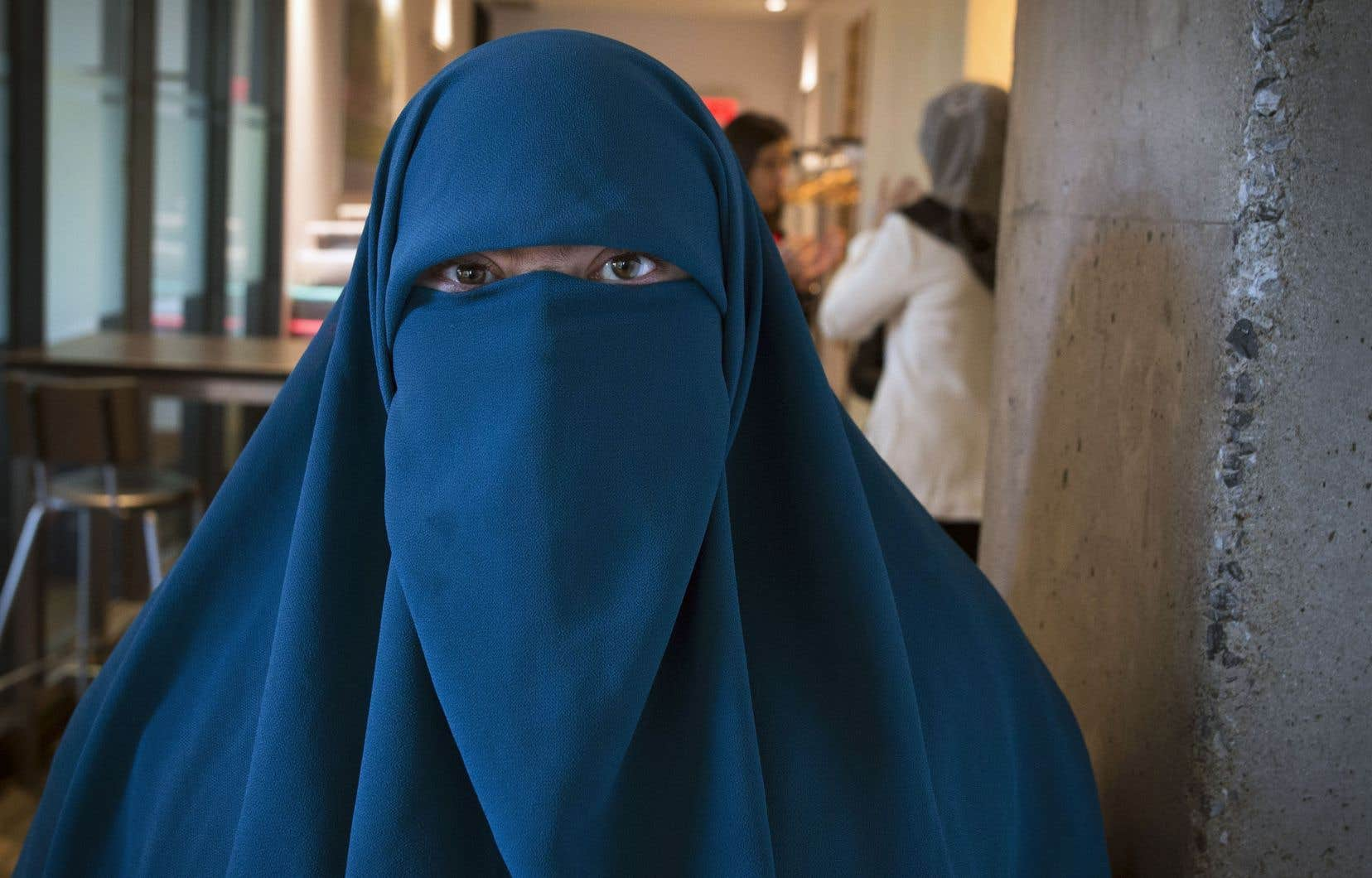 Warda Naili, qui désirait utiliser le transport le commun ou recevoir des services publics avec son niqab, sera vraisemblablement contrainte de présenter une demande d'accommodement religieux.