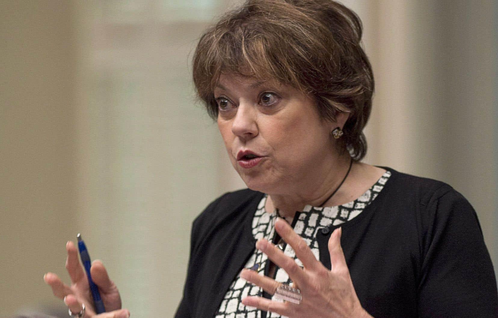 <p>La ministre de l'Enseignement supérieur, Hélène David, avait donné 48 heures à la direction de l'UQTR, vendredi après-midi, pour mettre fin au lockout qui paralyse le campus depuis près de deux semaines.</p>
