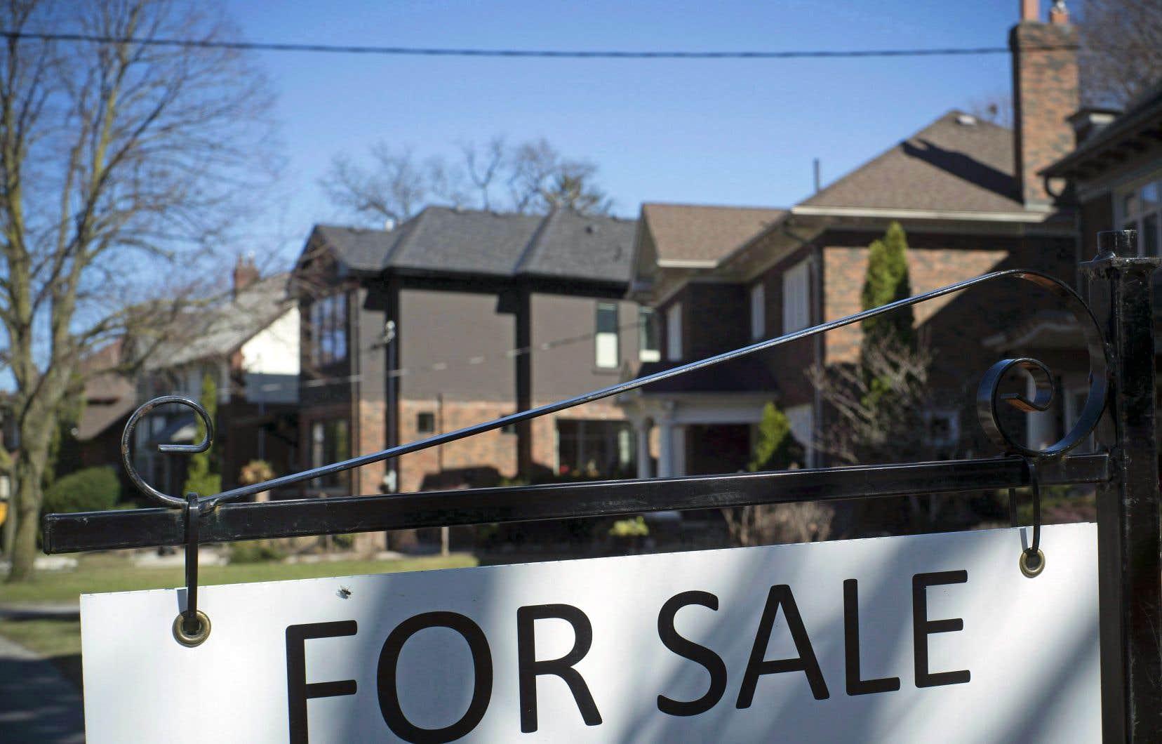 Le nombre de transactions à l'échelle du pays en avril était en baisse de près de 14% par rapport à l'an dernier, une tendance lourde qui frappe tout particulièrement la Colombie-Britannique et la grande région de Toronto.