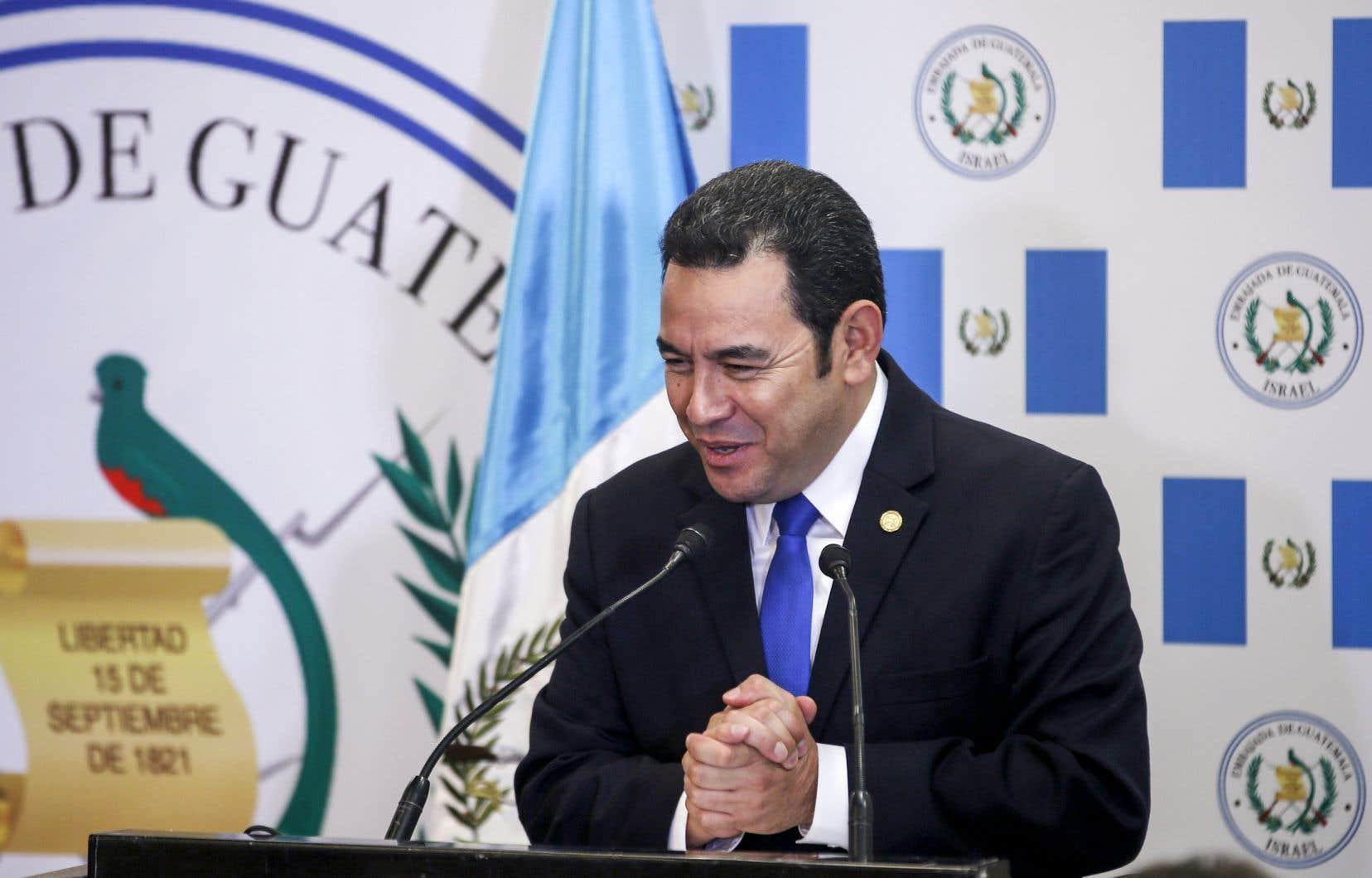 Le président du Guatemala Jimmy Morales a ouvert la nouvelle ambassade dans une tour moderne et excentrée du sud de Jérusalem.