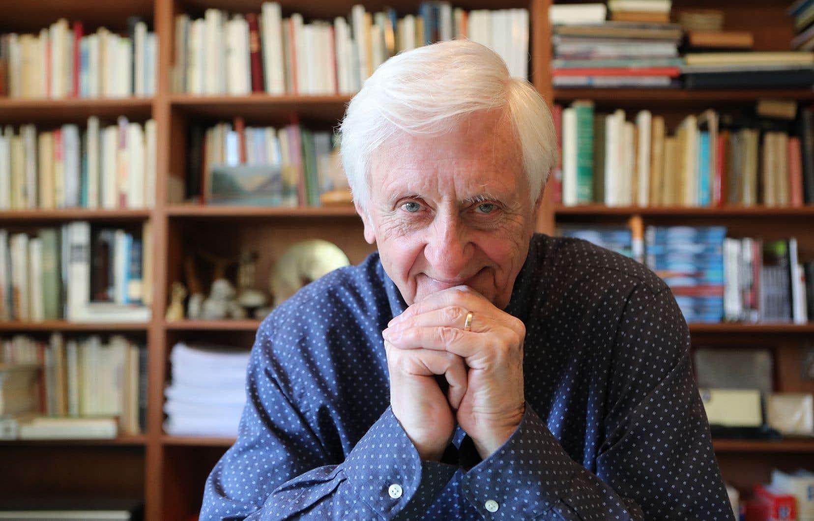 Aujourd'hui âgé de 85ans, l'écrivain et cinéaste reste un intellectuel à l'esprit vif qui jette un regard aiguisé sur le monde où il a vécu.