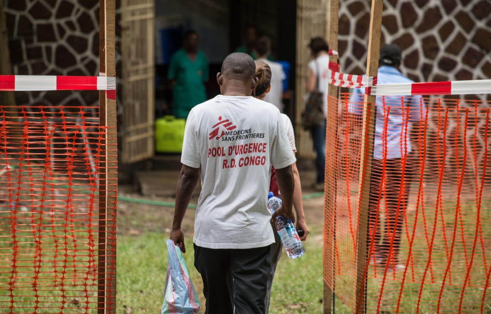 Du personnel de santé de l'OMS et de Médecins sans frontière a été envoyé en renfort en République démocratique du Congo.