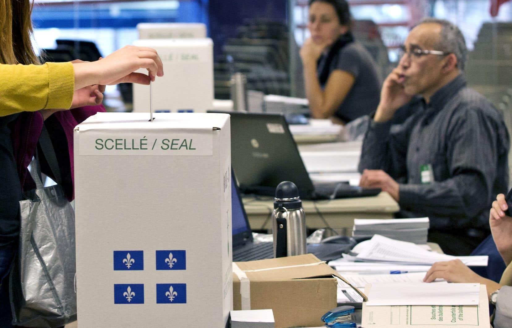 Élections Québec dit fonctionner à «plein régime» pour compléter les préparatifs électoraux.