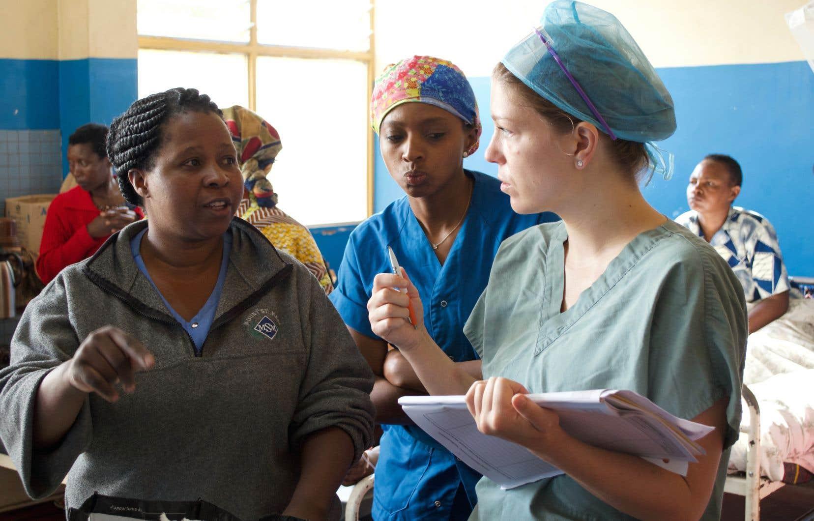 La fondation Mères du Monde en santé est l'un des dix organismes médicaux dans le monde qui viennent en aide aux femmes victimes de fistules obstétricales.