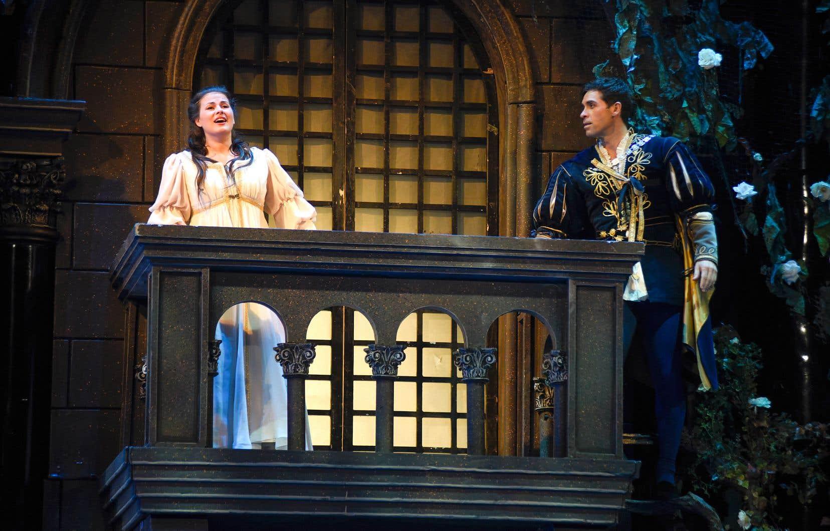 La soprano Marie-Ève Munger et le ténor Ismael Jordi dans les rôles de Juliette et de Roméo