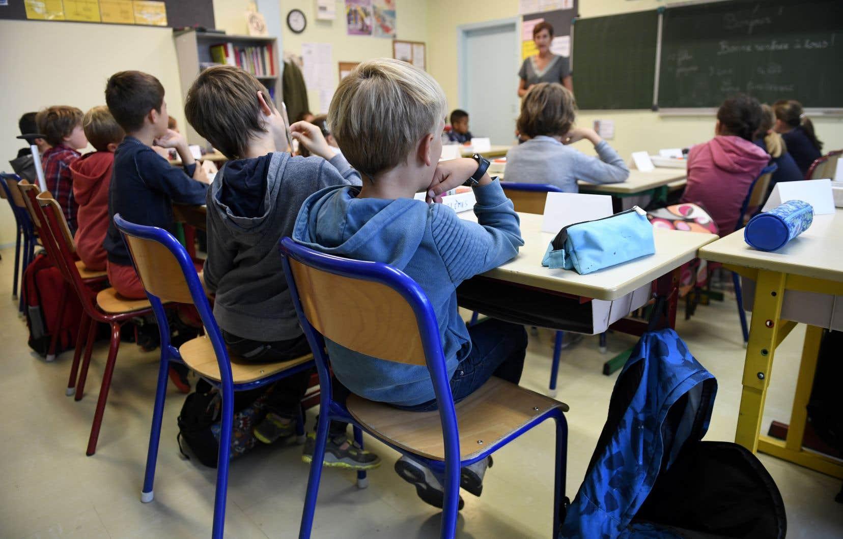 Le nombre d'élèves qu'on croit porteurs d'une lacune individuelle qui serait la source de leur problème scolaire augmente avec les années, selon l'auteur.