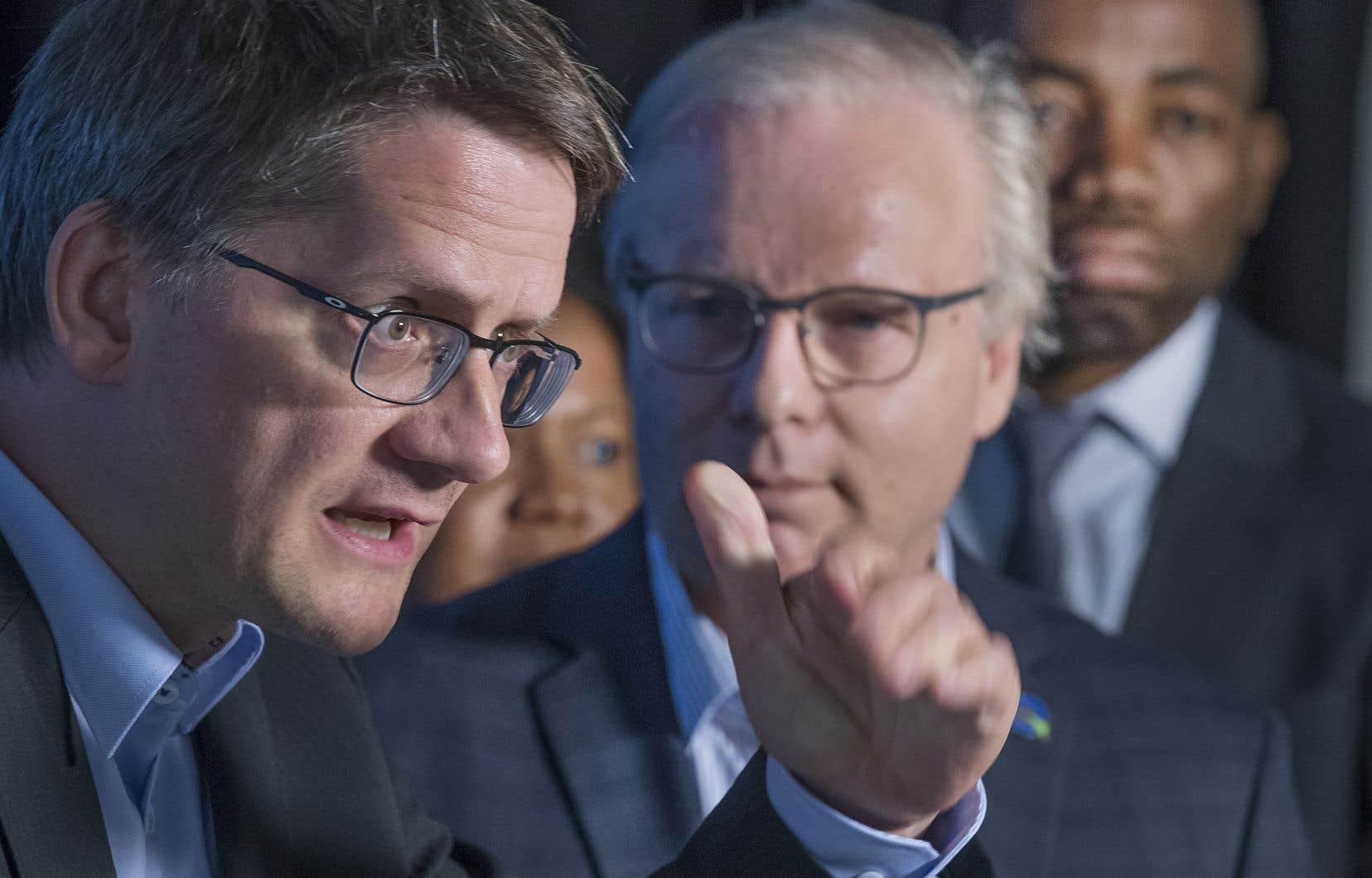 Porte-parole du PQ en matière de développement des régions, Sylvain Gaudreault a confirmé que son parti souhaiterait que quelque 25 % des immigrants choisissent de s'installer en région.