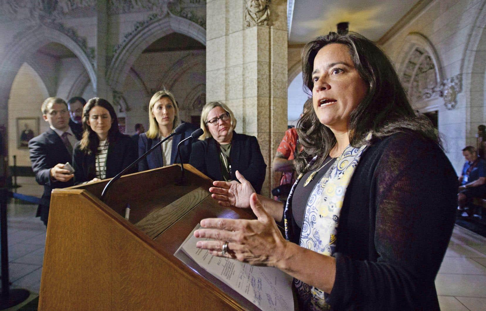 La ministre de la Justice Jody Wilson-Raybould a déposé mardi les modifications qu'elle entend apporter au droit de la famille.