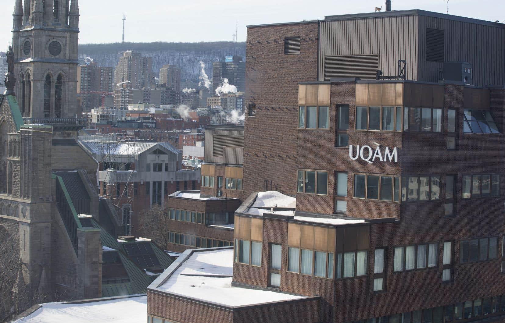 L'UQAM fait partie du réseau de l'Université du Québec, qui célèbre son 50e anniversaire.