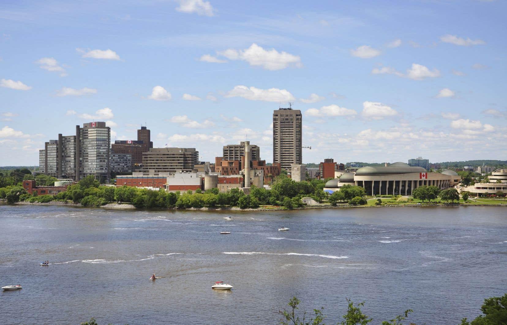 La position géographique de l'Outaouais le place dans un contexte peu étudié et unique au Québec, qui a des répercussions certaines sur son développement.